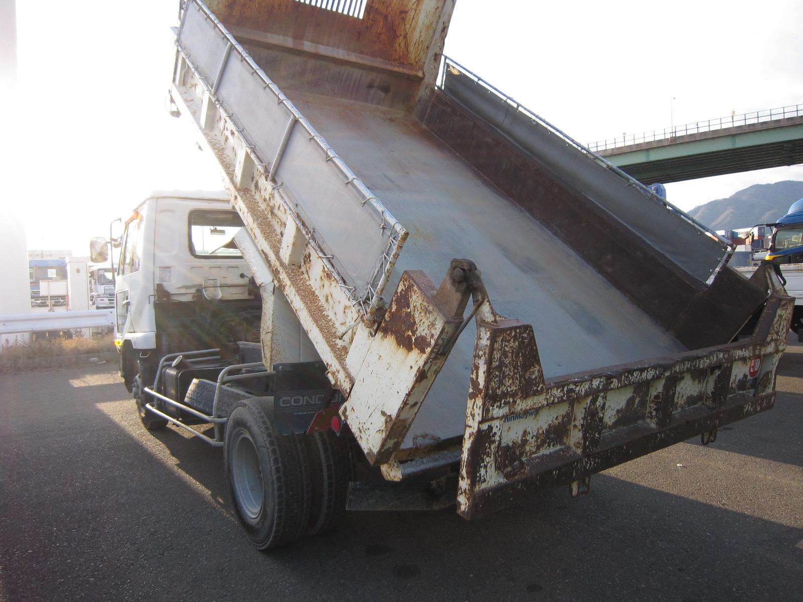4-6tトラック 日産 ( MK211B )